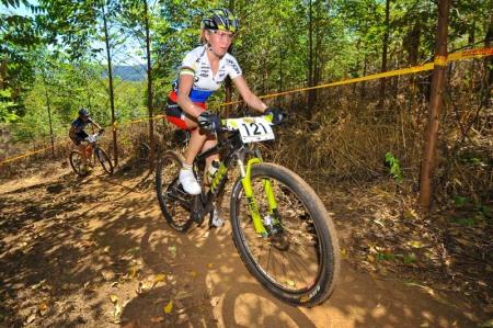 090404_rsa_pietermaritzburg_women_kalentireva_uphill_forest_1